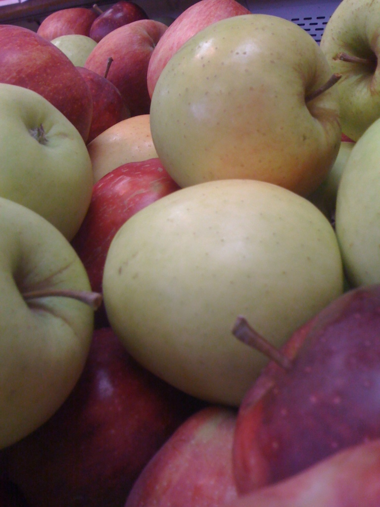 Red & Golden Apples