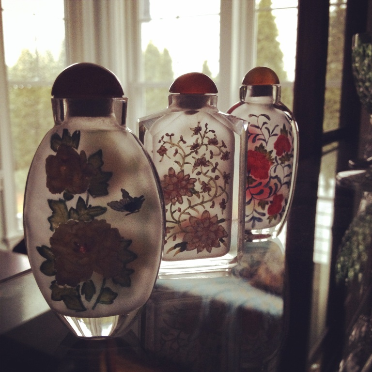 Painted Japanese snuff bottles